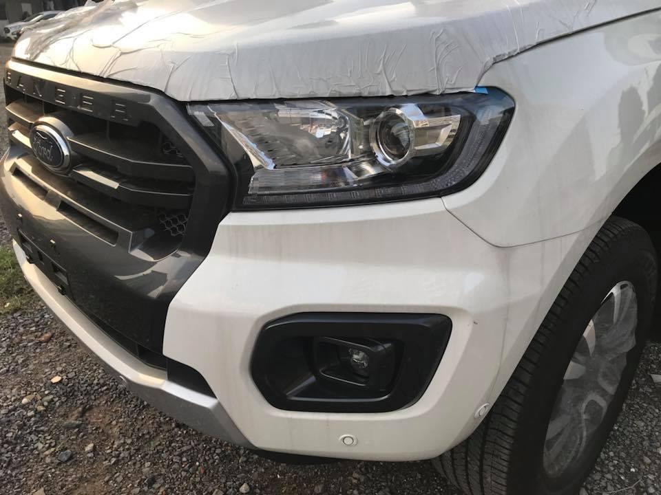 Bán ô tô Ford Everest Wildtrak 2.0 Biturbo 4x4 AT đời 2019, màu trắng, nhập khẩu nguyên chiếc