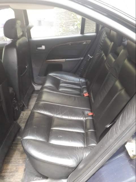 Bán gấp Ford Mondeo 2.5 V6 năm sản xuất 2003, nhập khẩu số tự động