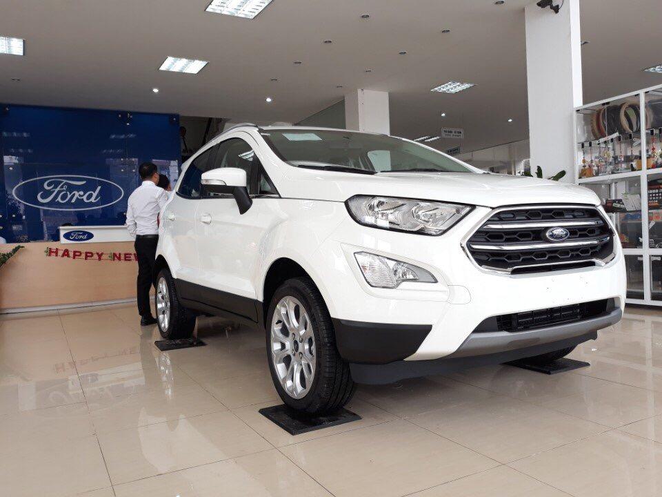 Bán Ford EcoSport Trend AT 4x2 đời 2019, màu trắng giá cạnh tranh