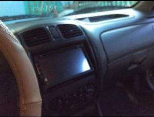 Cần bán xe Ford Laser MT năm sản xuất 2001, xe chạy đầm chắc, máy nổ êm