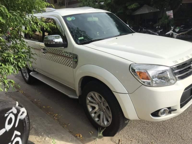 Bán lại Ford Everest 4x2 đời 2014 bản Limited, máy dầu, số tự động