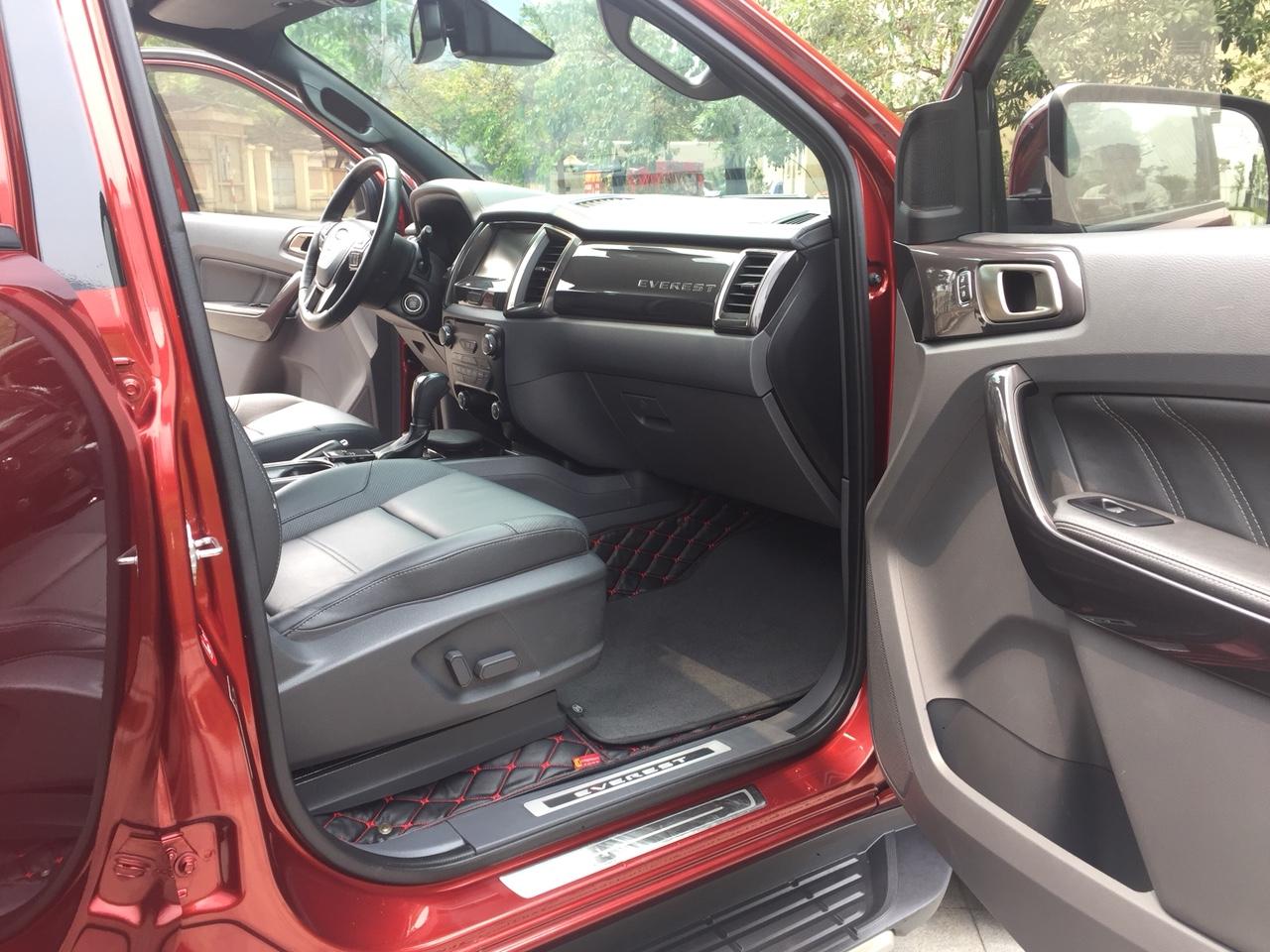 Bán Ford Everest 3.2 4x4 AT năm sản xuất 2016, màu đỏ, xe nhập khẩu Thái Lan, 1 chủ từ đầu