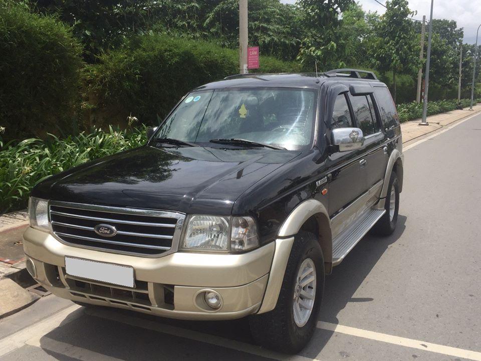 Cần tiền bán Ford Everest SX 2007, màu đen số sàn, máy dầu