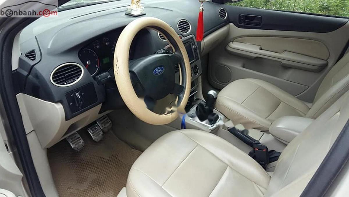 Cần bán Ford Focus 1.8MT đời 2008, màu vàng, giá 240tr