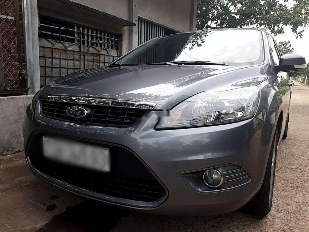 Cần bán Ford Focus 2.0S  AT sản xuất năm 2010 xe gia đình, giá 338tr