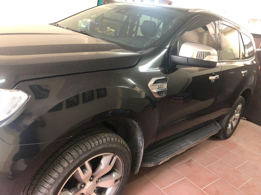 Cần bán xe Ford Everest năm 2016, màu đen, nhập khẩu còn mới