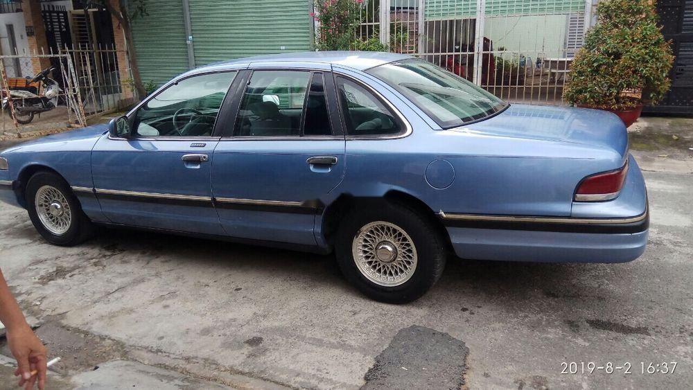 Chính chủ bán xe Ford Crown victoria sản xuất 1994