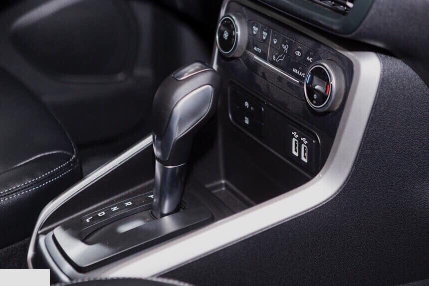 Ford Ecosport Titanium tặng tiền mặt và bảo hiểm, phim, camera LH 0938613619