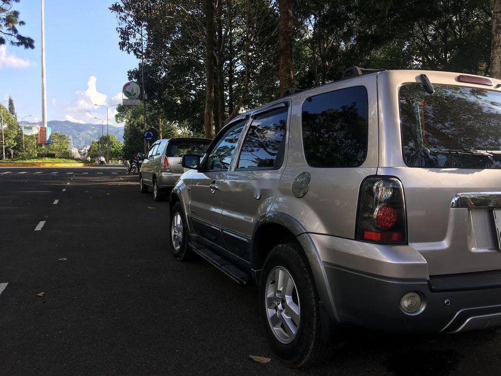 Bán xe Ford Escape XLT sản xuất 2008, màu bạc, giá tốt