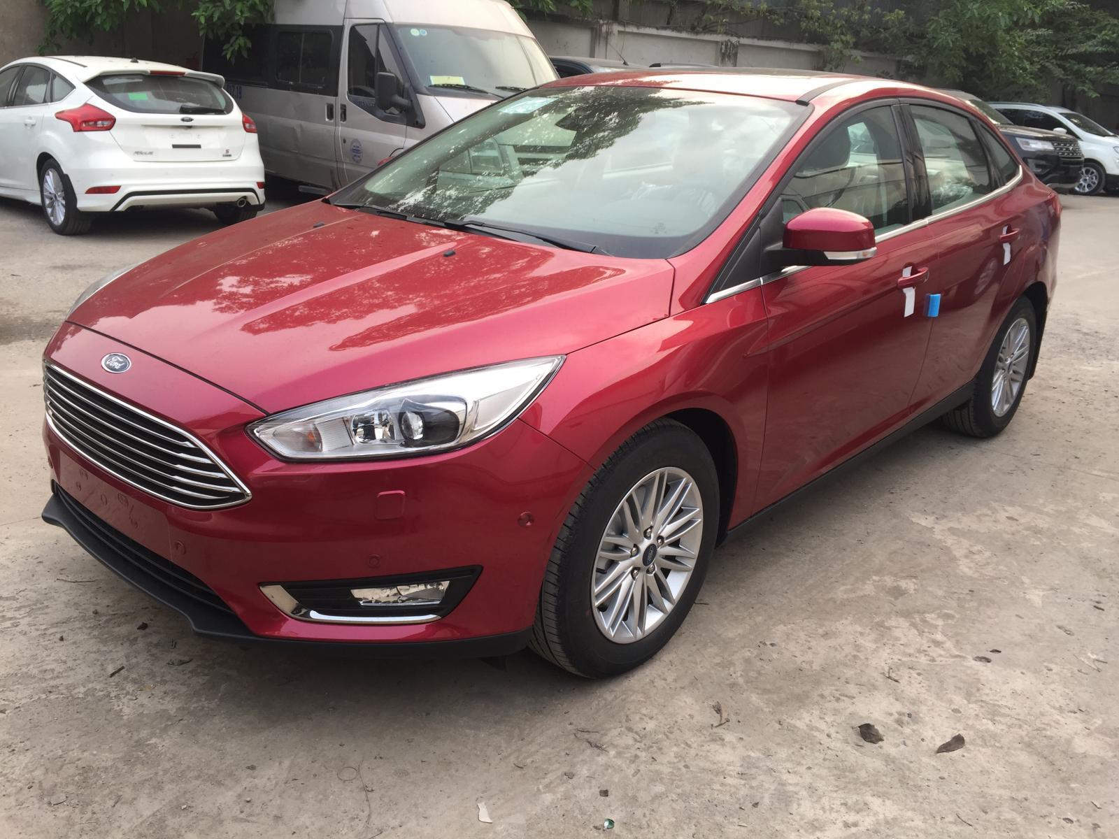 Focus 1.5 Titanium 2019 xe mới chính hãng, giá 700 triệu xe màu đỏ, trắng giao luôn LH 0965423558