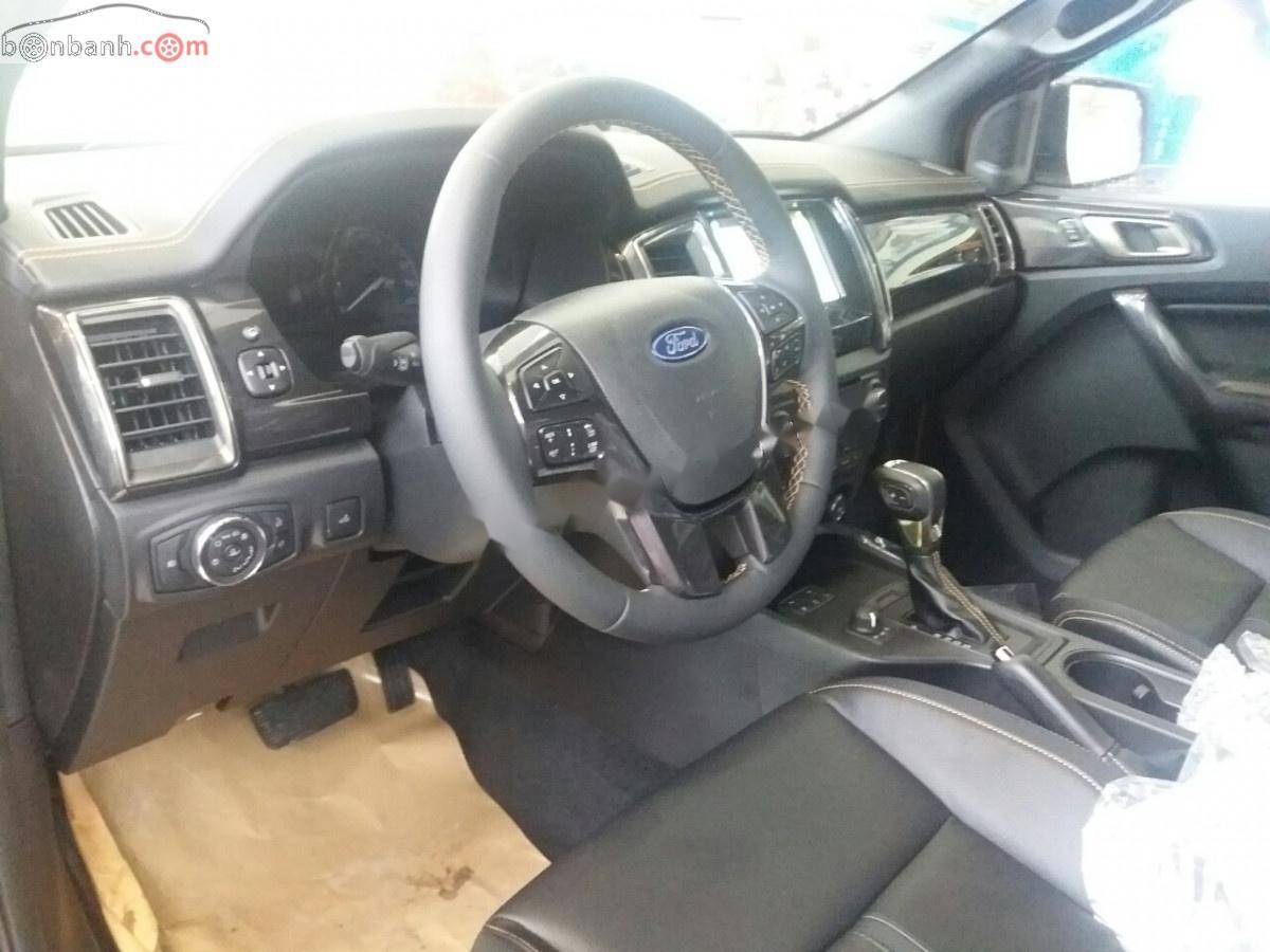 Cần bán xe Ford Ranger Wildtrak 2.0L 4x4 AT năm sản xuất 2019, màu đen, nhập khẩu nguyên chiếc