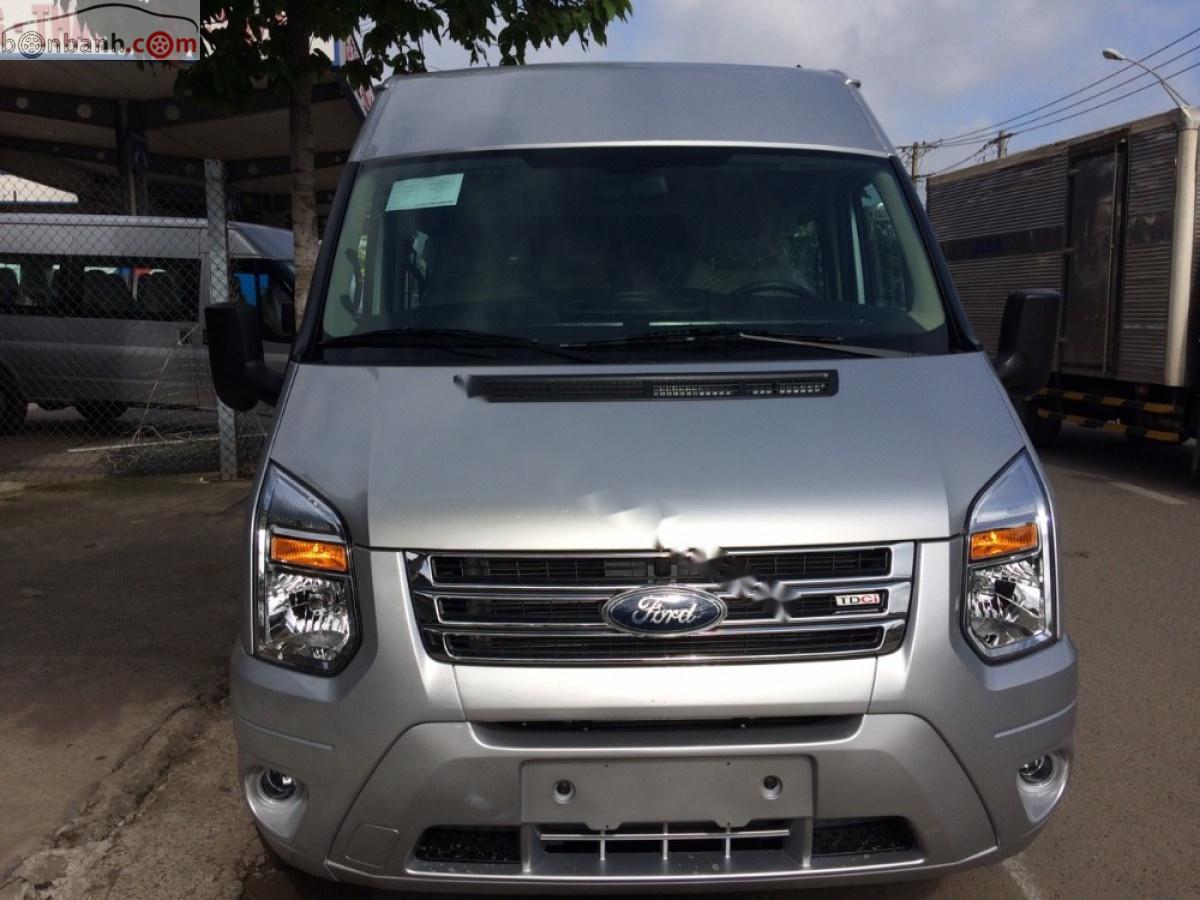 Cần bán xe Ford Transit 2019, màu bạc