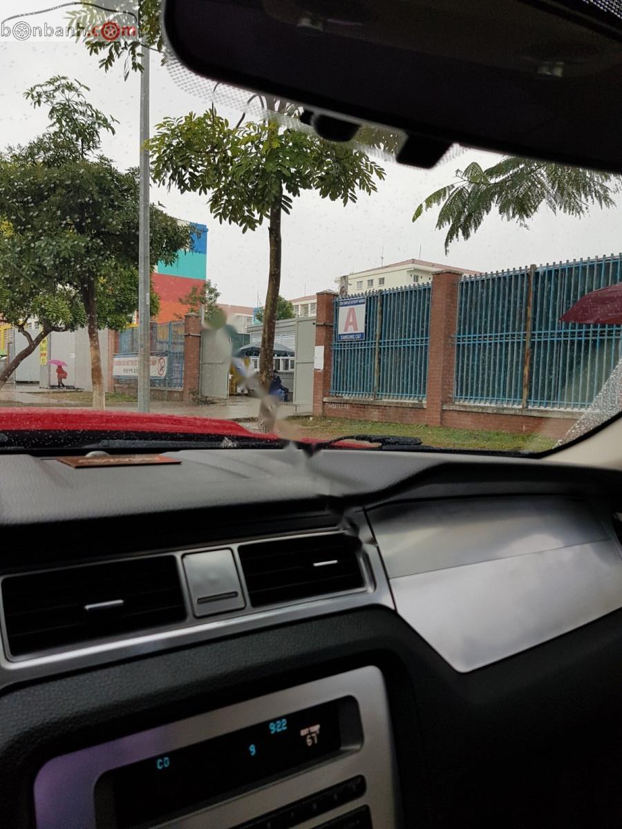 Bán Ford Mustang 3.7L sản xuất 2011, màu đỏ, nhập khẩu