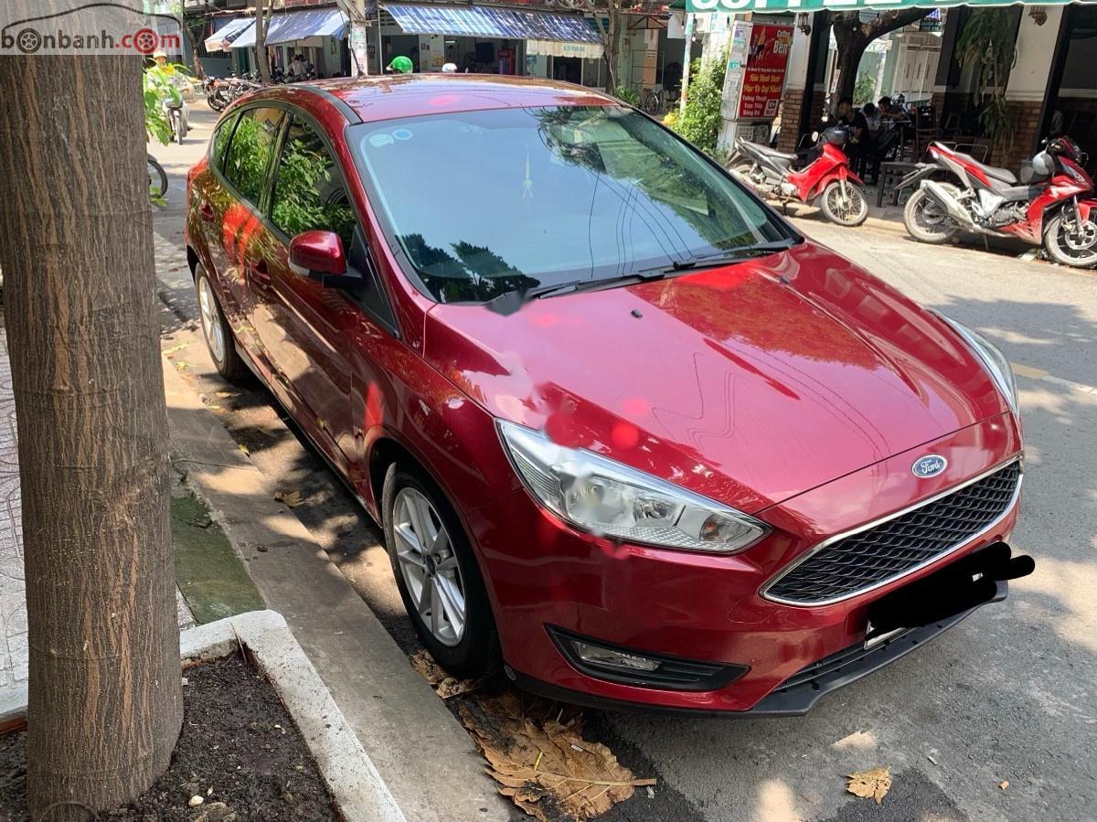 Cần bán xe Ford Focus Trend 1.5L sản xuất năm 2017, màu đỏ số tự động