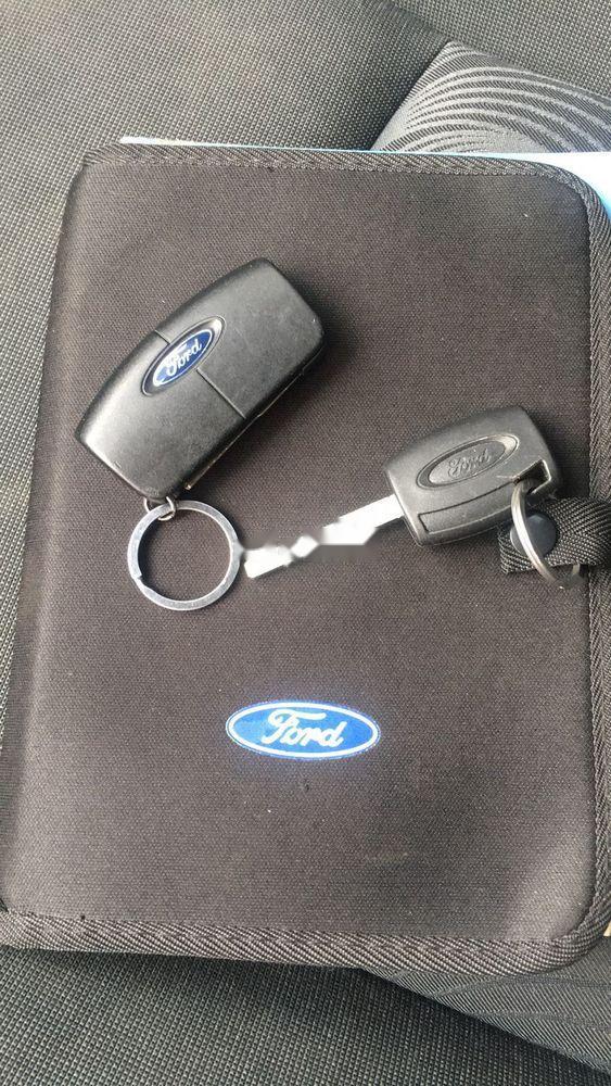 Bán ô tô Ford Fiesta sản xuất 2011, màu bạc