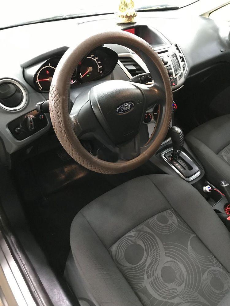 Bán Ford Fiesta sản xuất năm 2011, màu xám, nhập khẩu số tự động