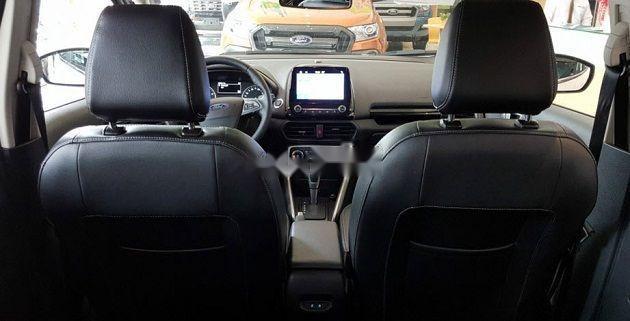 Bán Ford Transit Limousine DCar sản xuất năm 2019, khuyến mãi hấp dẫn