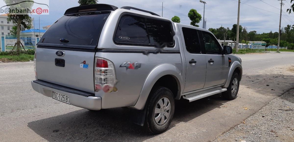 Bán Ford Ranger sản xuất năm 2009, màu bạc, nhập khẩu, xe gia đình