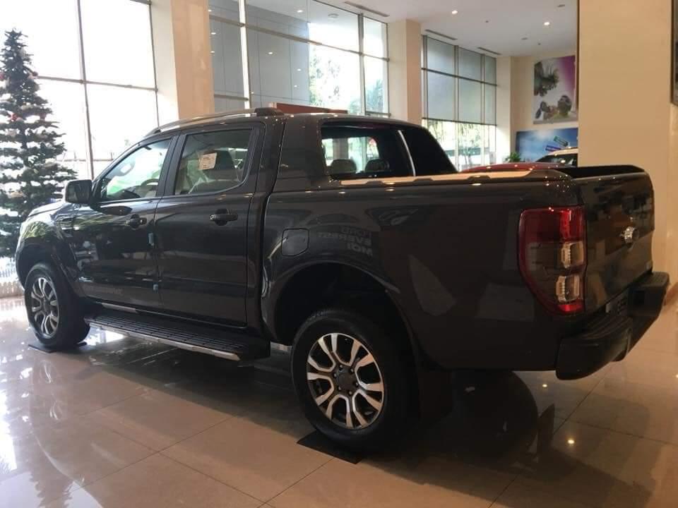 Cần bán xe Ford Ranger AT đời 2019, màu đen, xe nhập