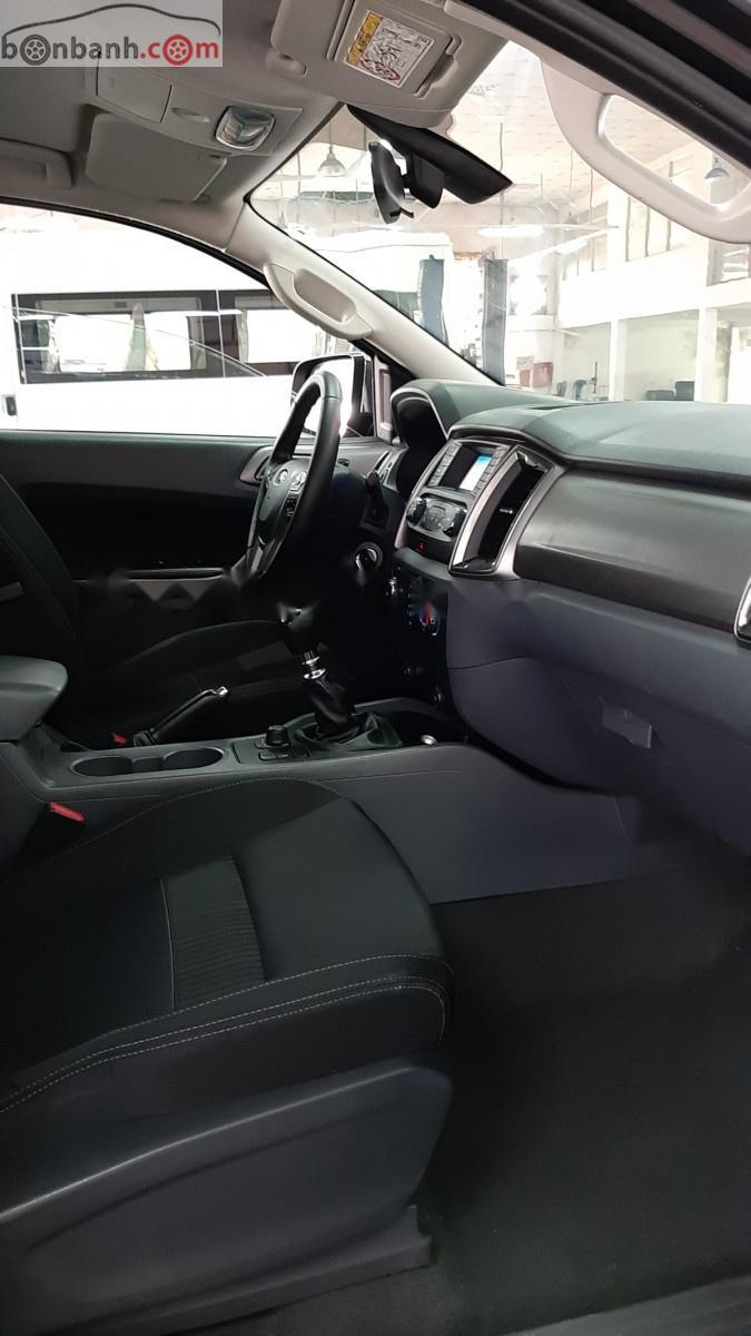 Cần bán Ford Ranger năm sản xuất 2014, màu đen, nhập khẩu