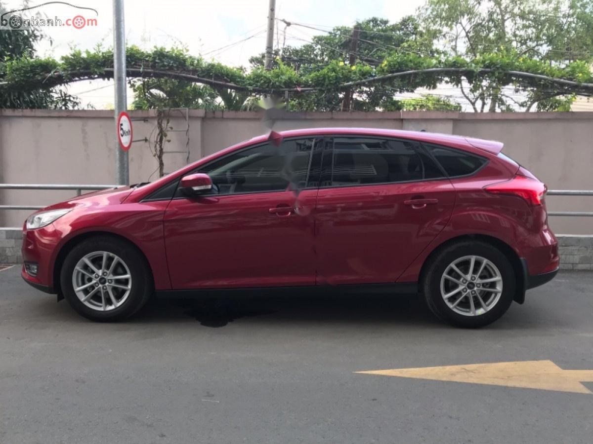 Bán Ford Focus sản xuất năm 2018, màu đỏ, chính chủ
