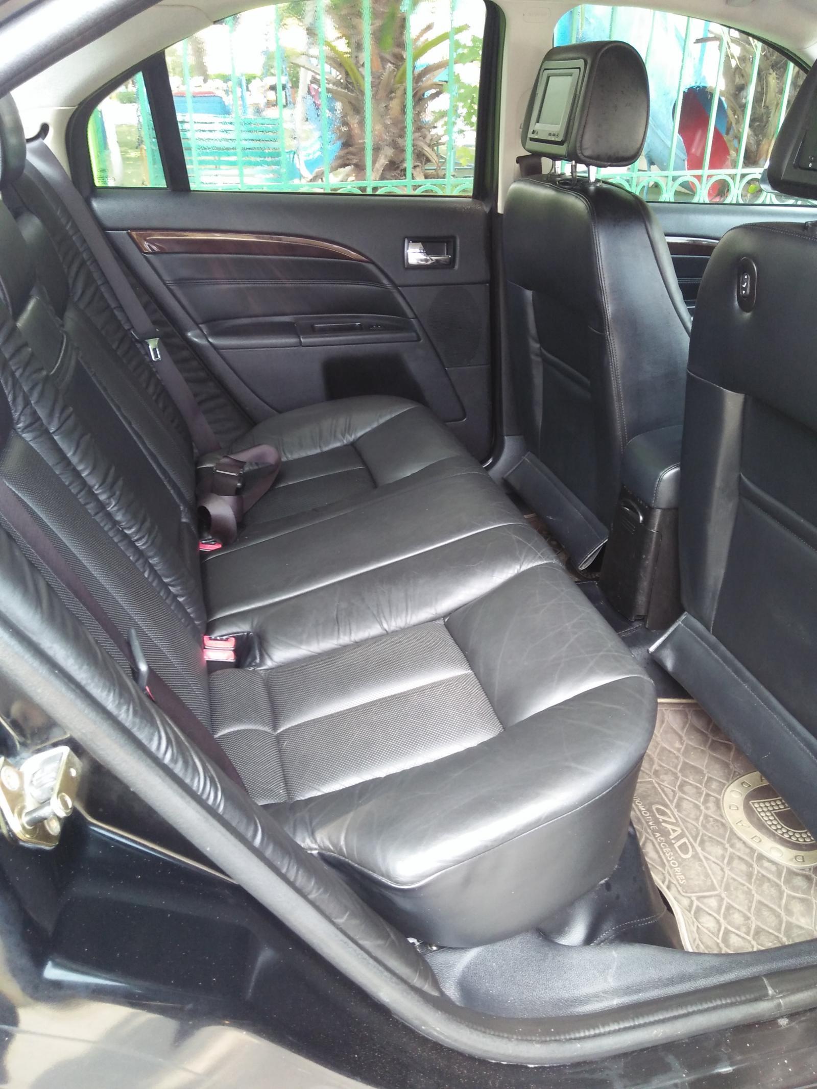 Cần bán Ford Mondeo đời 2008, màu đen