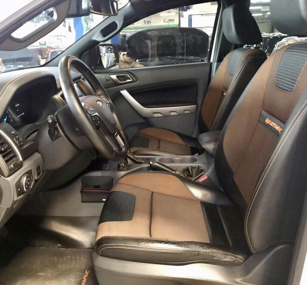 Bán Ford Ranger Wildtrak 3.2L 4x4 AT đời 2016, màu trắng, nhập khẩu nguyên chiếc, giá tốt