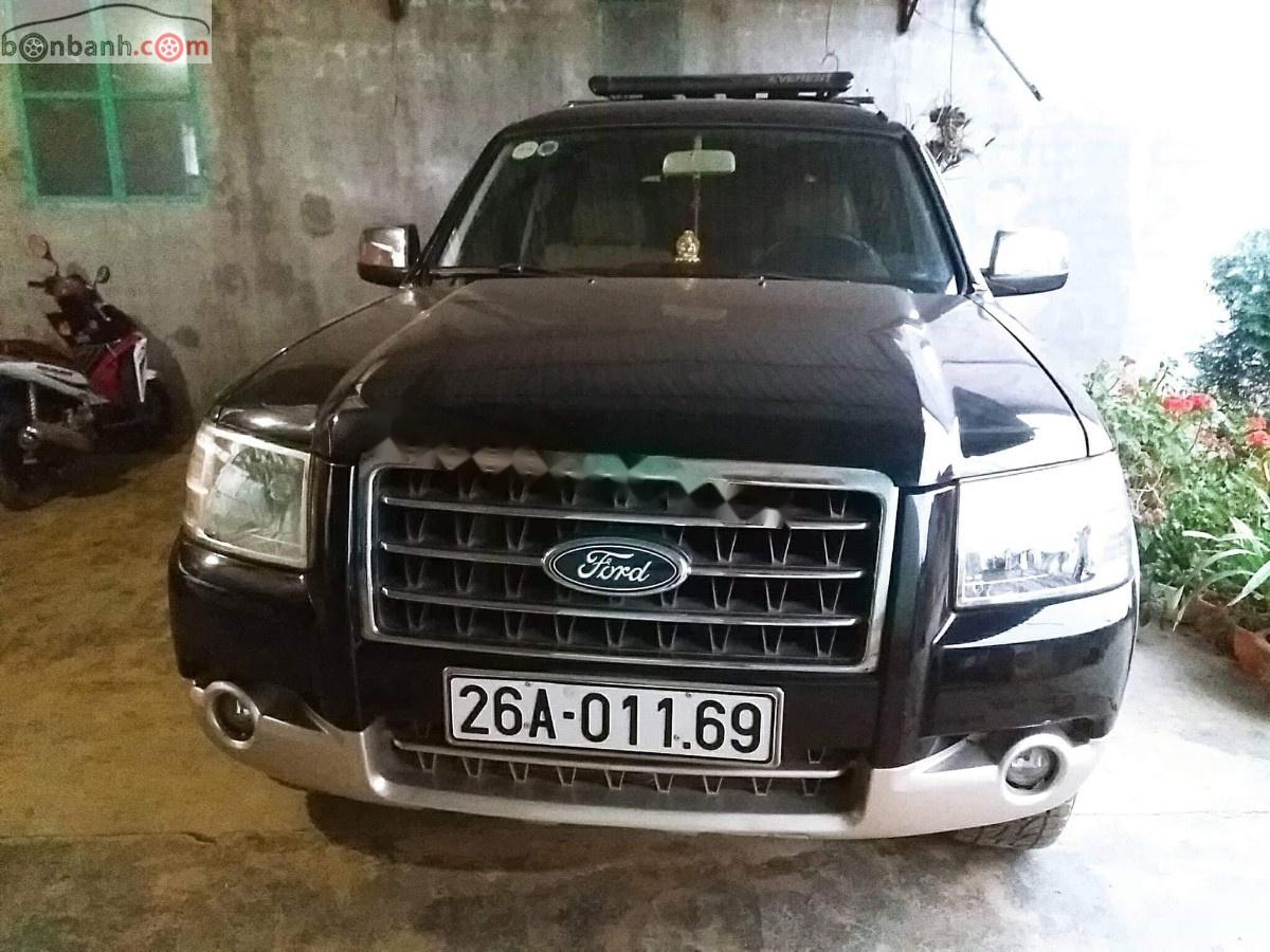 Gia đình bán xe Ford Everest 2009, màu đen, nhập khẩu