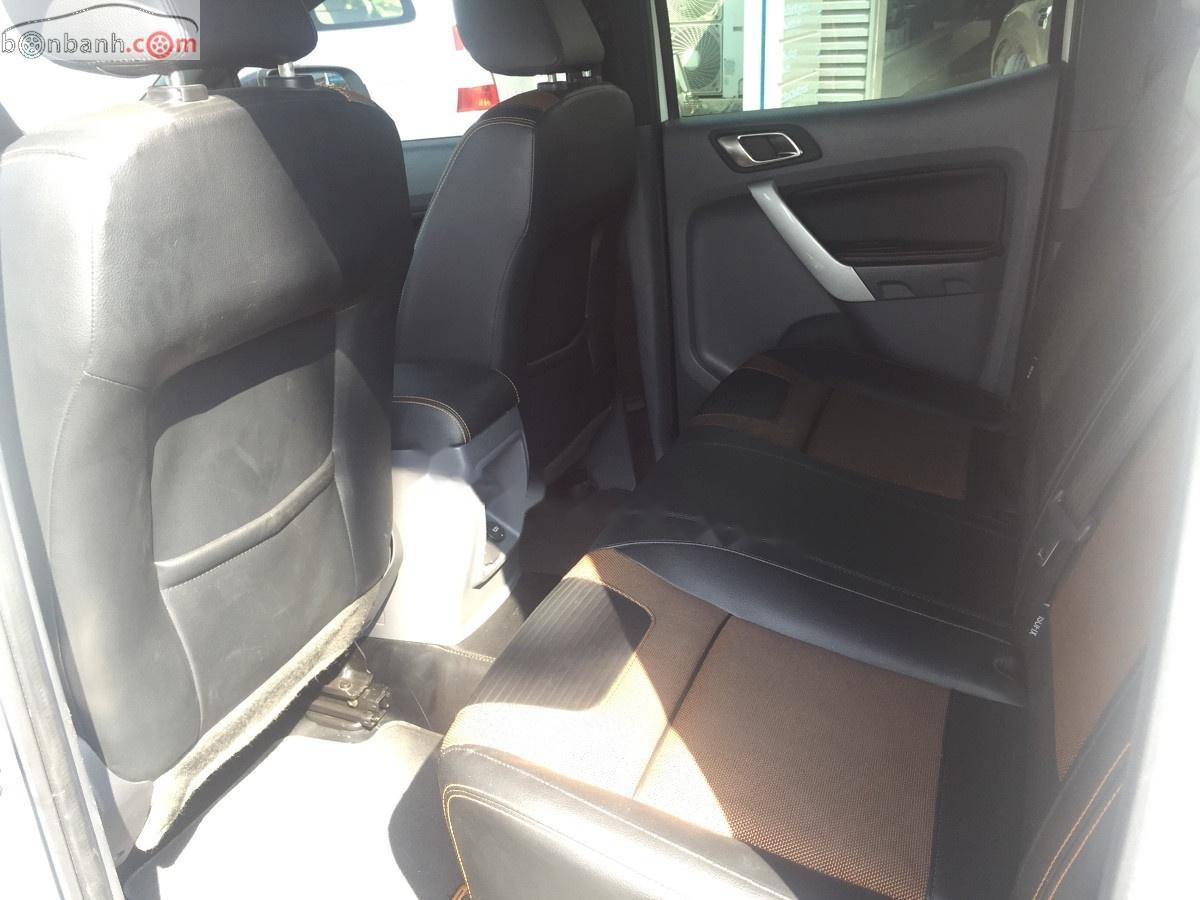 Cần bán xe Ford Ranger Wildtrak 3.2L 4x4 AT sản xuất 2015, màu trắng, nhập khẩu nguyên chiếc số tự động, 725tr