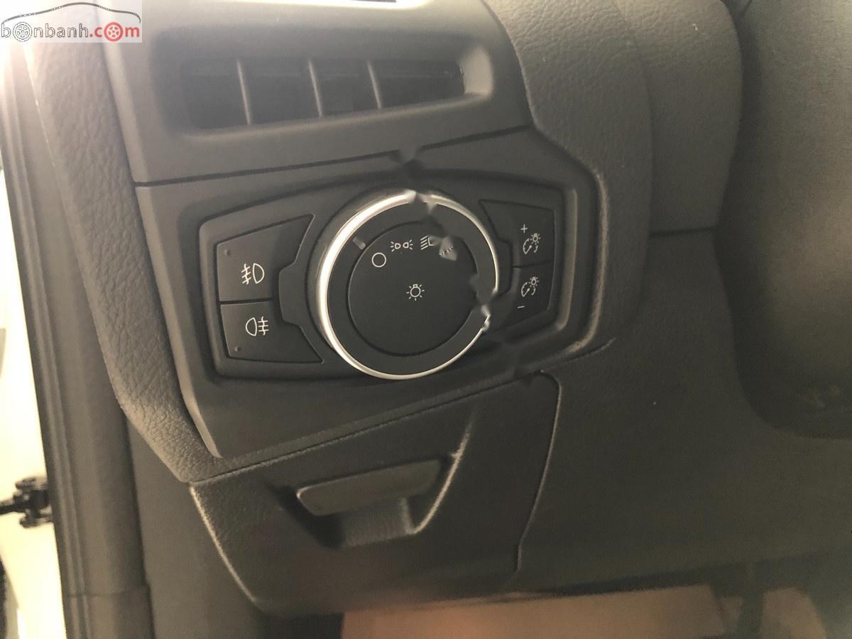 Bán Ford Focus Titanium 1.5L 2019, màu trắng