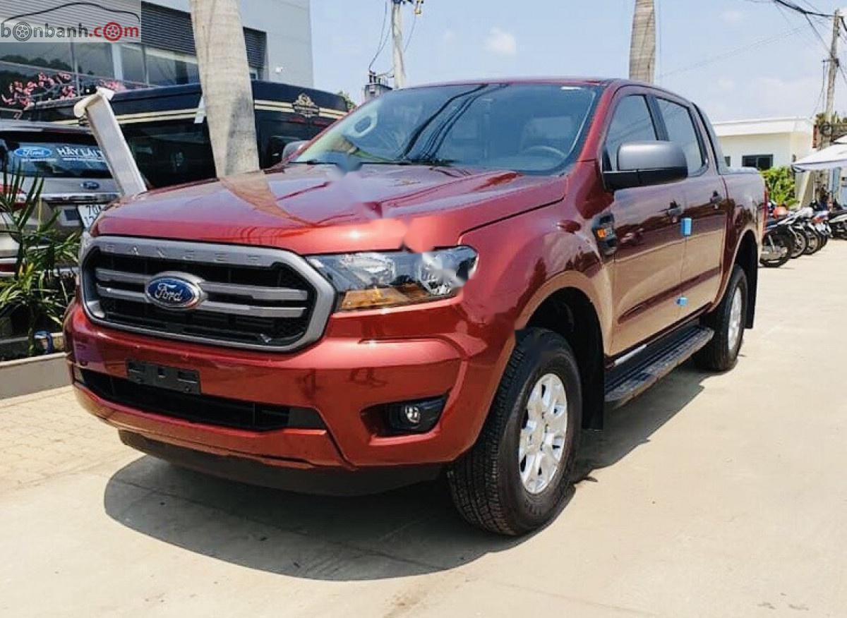 Bán Ford Ranger XLS 2.2L 4x2 AT sản xuất năm 2019, màu đỏ, xe nhập