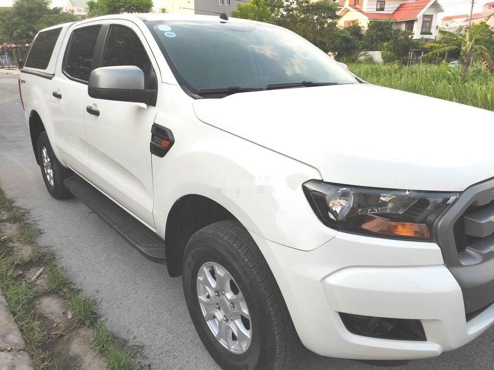 Chính chủ bán xe Ford Ranger XLS đời 2017, màu trắng, xe nhập