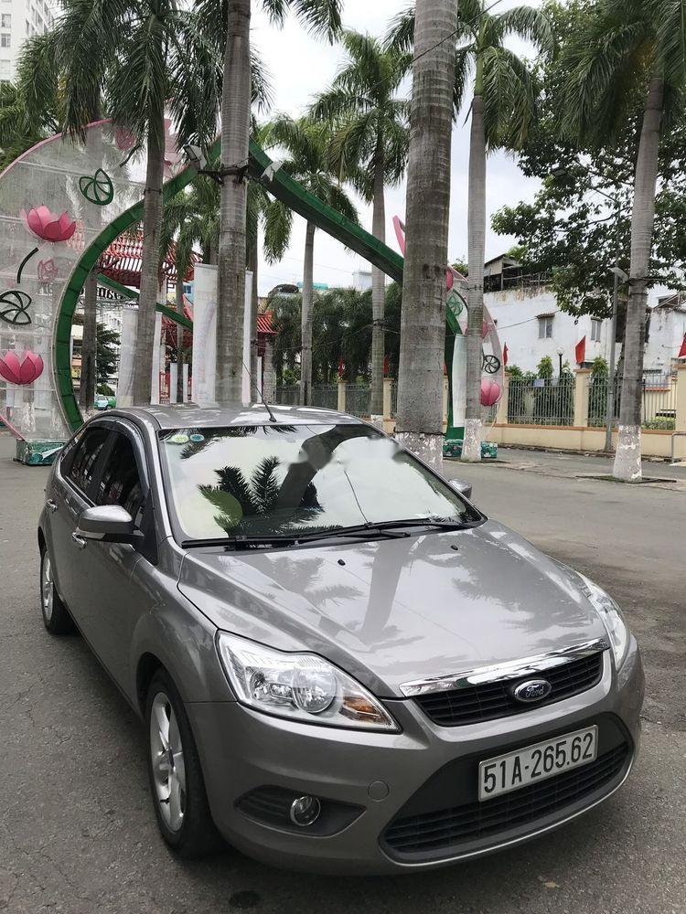 Cần bán xe Ford Focus sản xuất 2012, màu xám, giá 355tr
