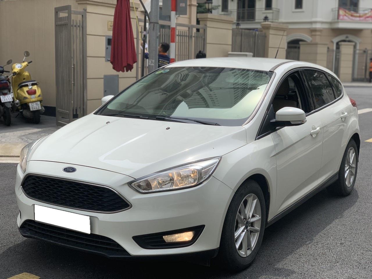 Bán xe Ford Focus Trend sản xuất 2017, màu trắng, giá chỉ 549 triệu
