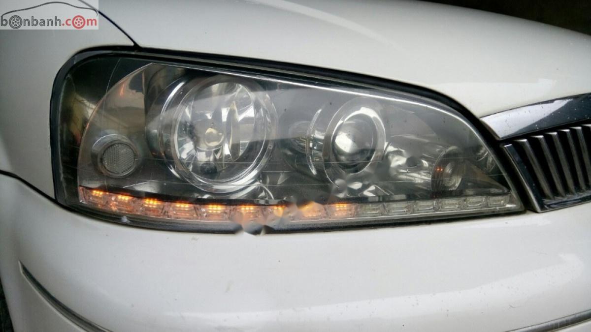 Cần bán lại Ford Laser năm sản xuất 2003, màu trắng