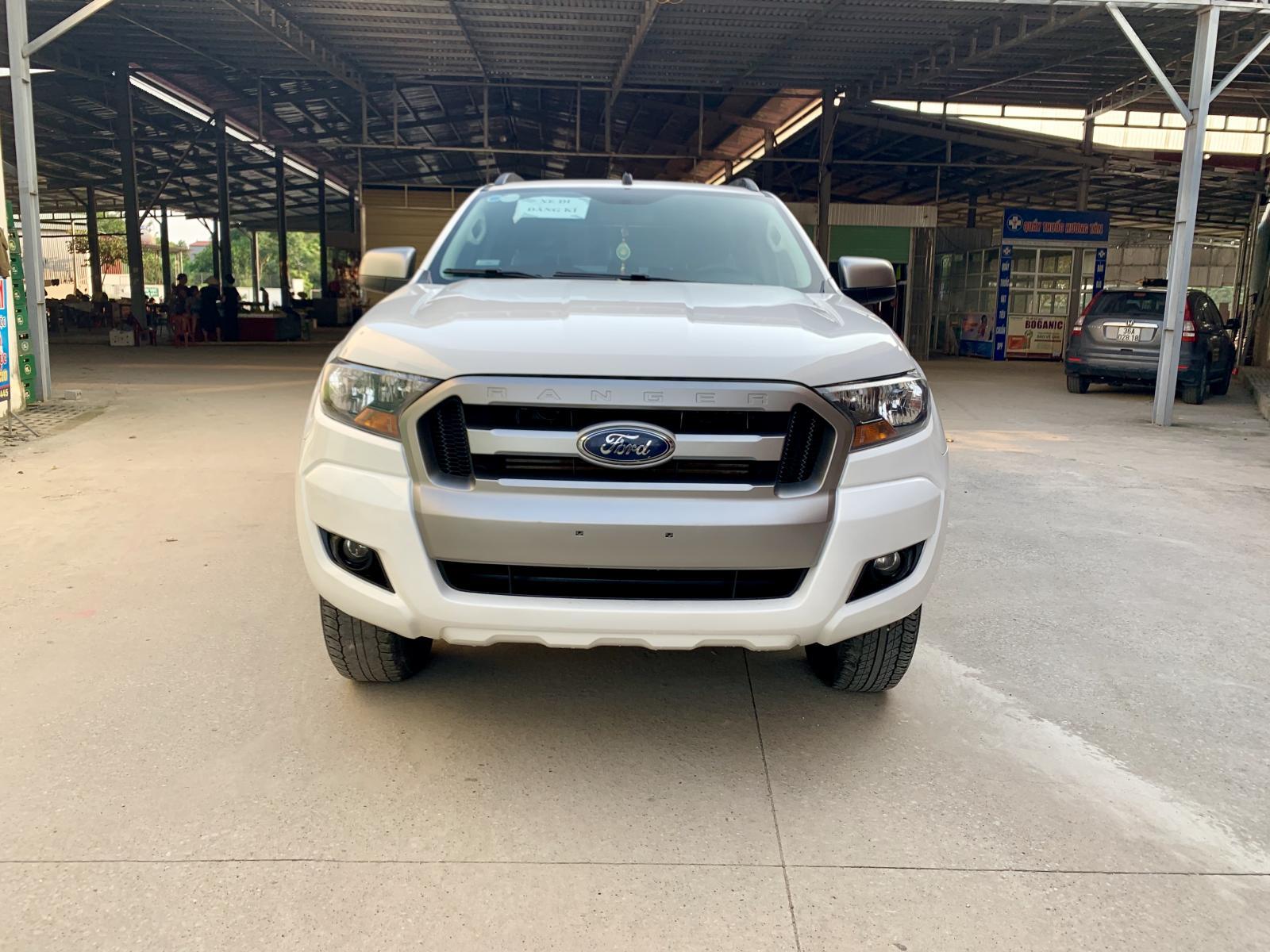 Bán xe Ford Ranger XLS 2.2 AT năm sản xuất 2017, màu trắng, xe nhập, LH 086.886.1238 - 0888.11.1238