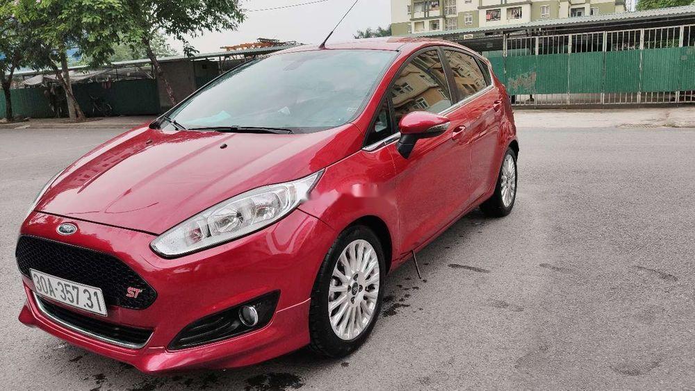 Bán xe Ford Fiesta sản xuất 2014, màu đỏ chính chủ