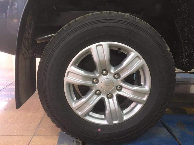 Chi nhánh xe Ford tại Lai Châu bán xe Ranger 2 cầu, số sàn cao cấp, giá rẻ nhất thị trường. LH: 0941921742