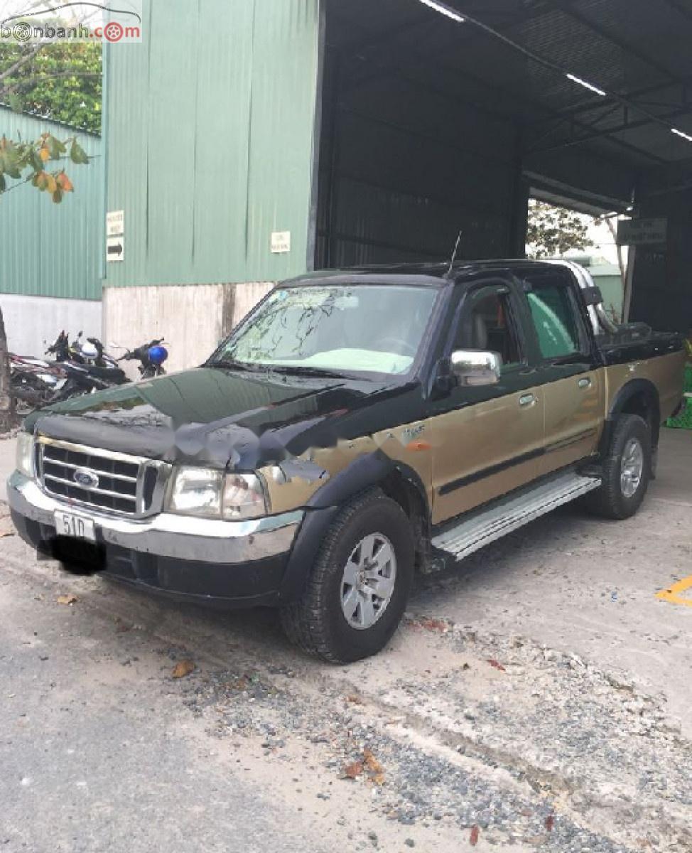 Cần bán gấp Ford Ranger XLT 4x4 MT đời 2004, màu đen