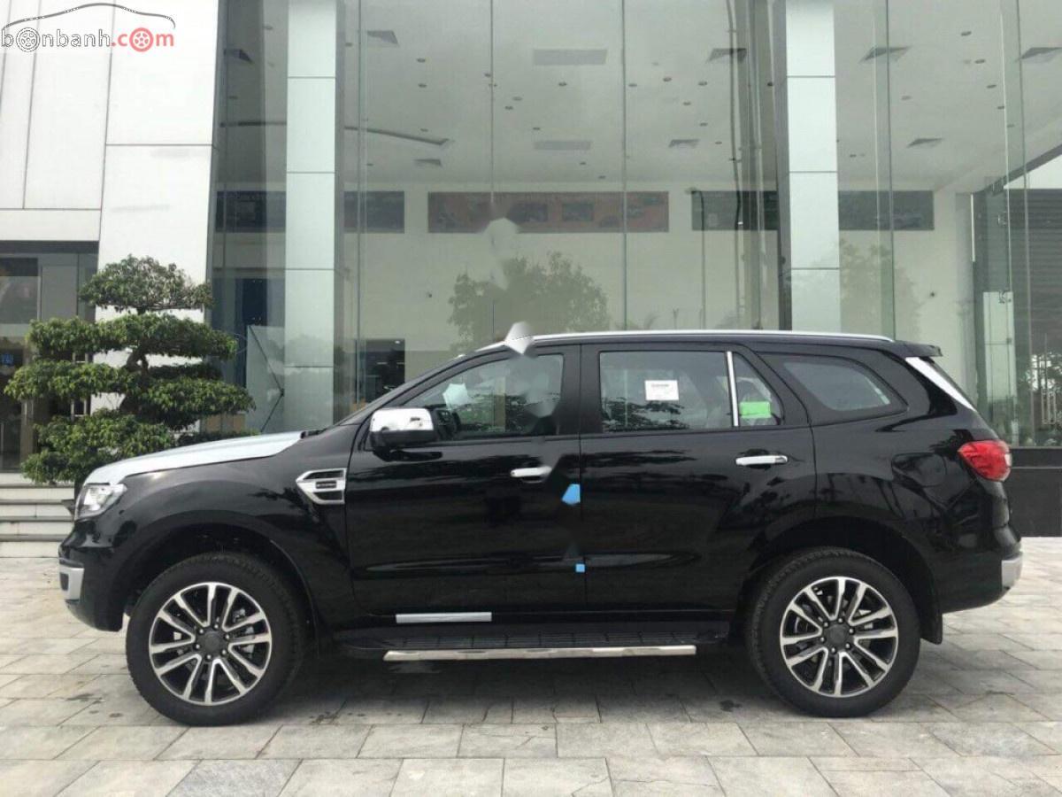 Cần bán xe Ford Everest titanium 4x2 năm sản xuất 2019, màu đen, nhập khẩu