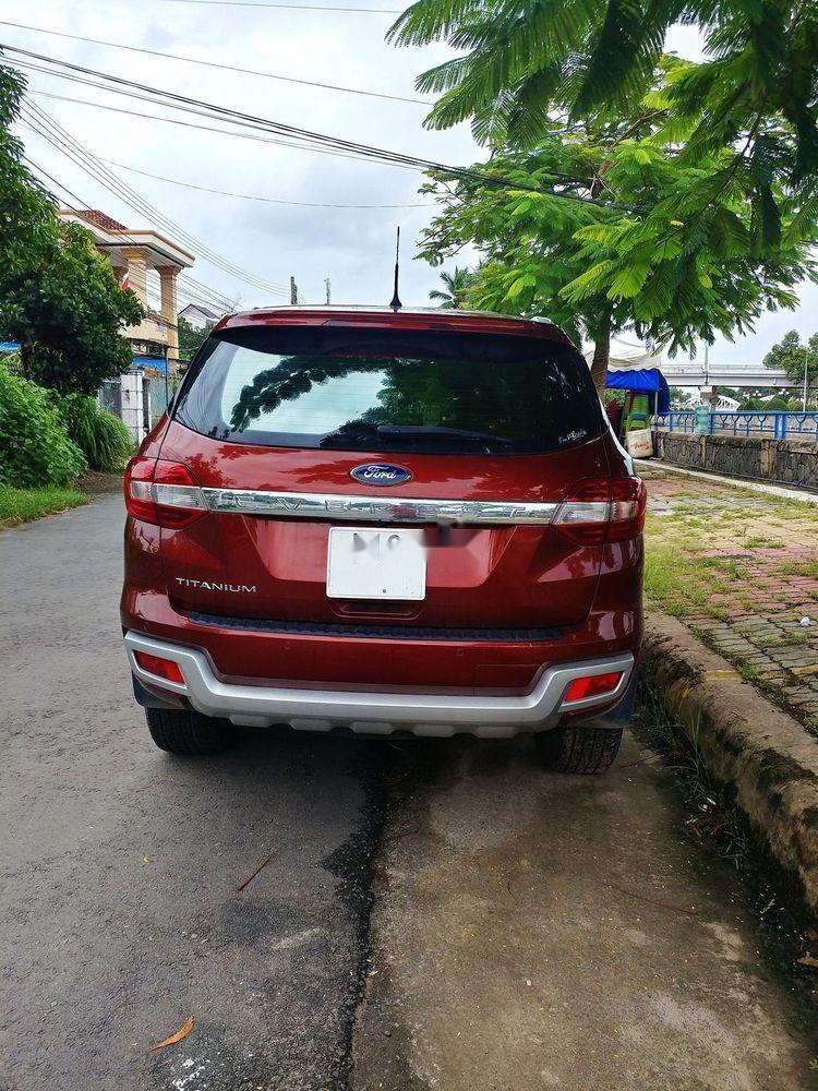 Cần bán lại xe Ford Everest đời 2017, màu đỏ, nhập khẩu nguyên chiếc