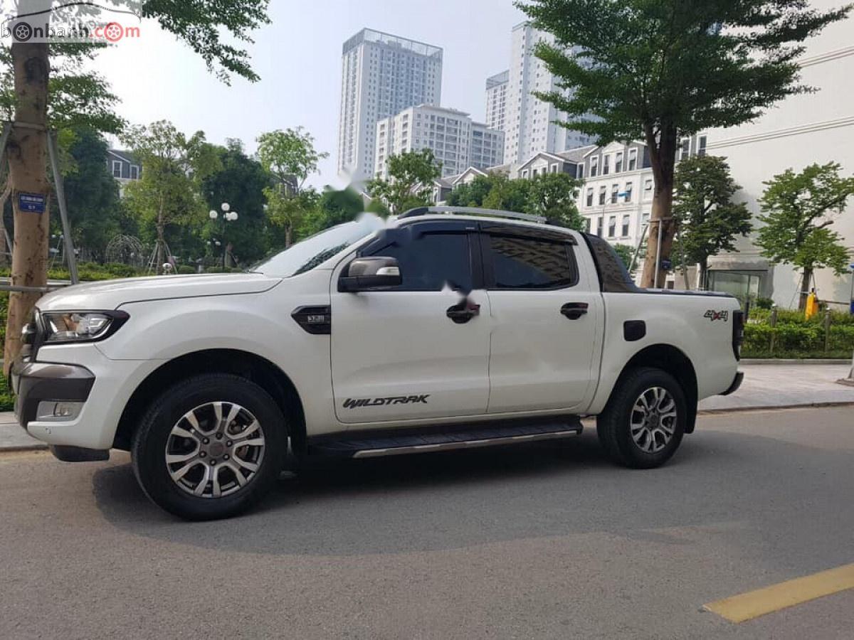 Cần bán gấp Ford Ranger Wildtrak 3.2L 4x4 AT sản xuất năm 2015, màu trắng