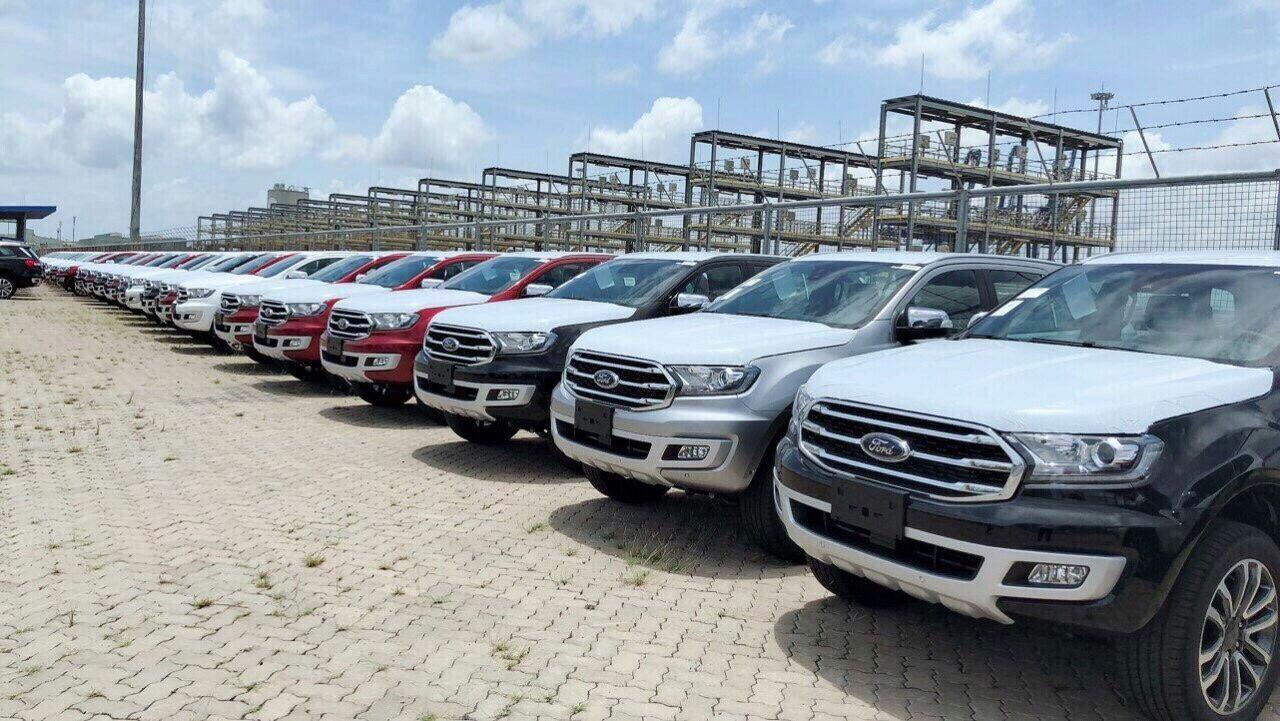 Bán Ford Everest 4x4 Titanium 2019, giao xe ngay, hỗ trợ tới 90% giá chỉ từ 200tr