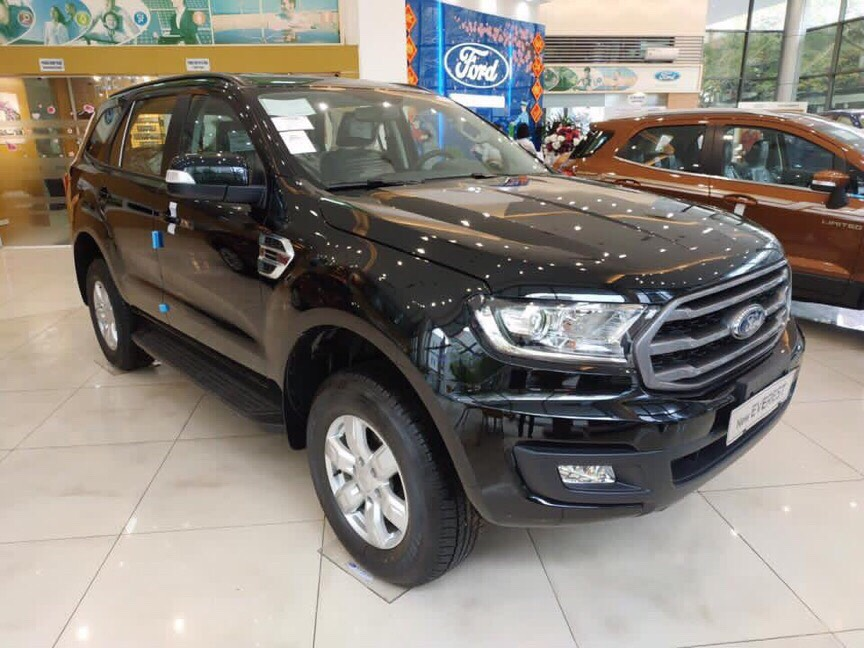 Bán Ford Everest 4x2 Ambiente AT 2019, giao xe ngay, hỗ trợ tới 90% giá chỉ từ 180tr