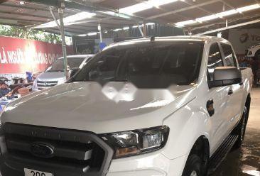 Cần bán Ford Ranger năm 2017, màu trắng chính chủ