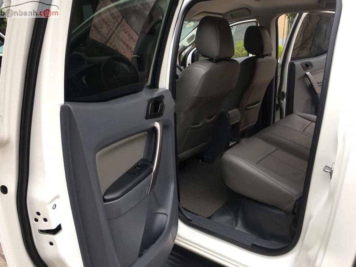 Bán Ford Ranger XLS 2.2L 4x2 AT đời 2016, màu trắng, nhập khẩu nguyên chiếc, giá 580tr