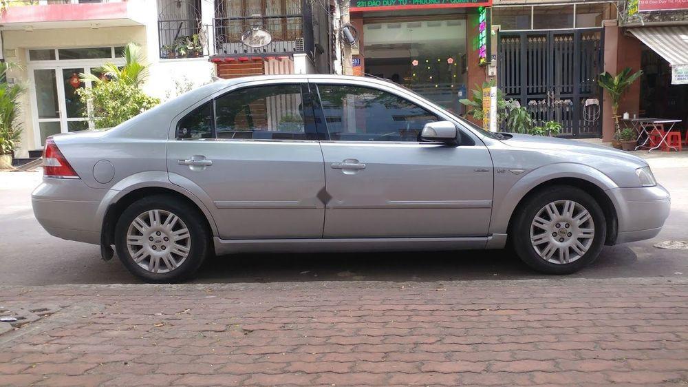 Cần bán Ford Mondeo 2.5 v6 đời 2003, màu bạc số tự động