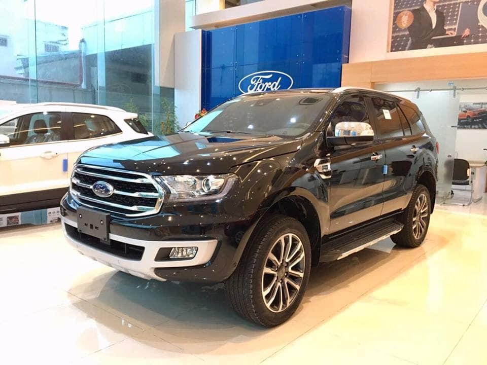 Bán xe Ford Everest Titanium 4x4 đời 2019, màu đen, nhập khẩu
