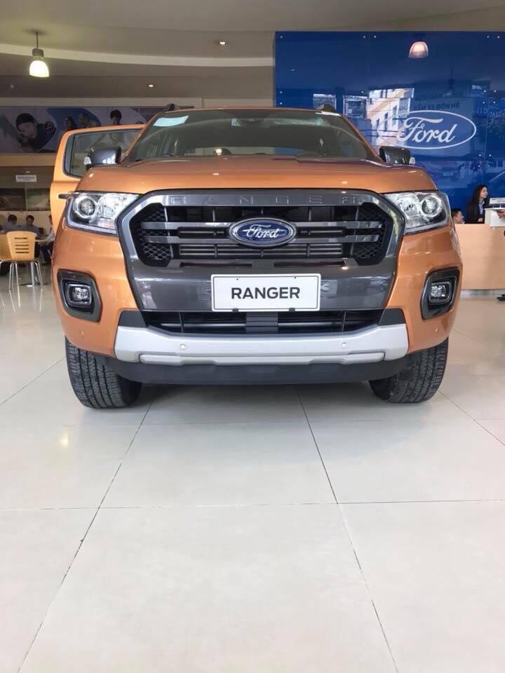 Bán xe Ford Ranger Wildtrak 4x4 Bi-turbo 2.0L Sản xuất 2019, màu cam, xe nhập, giá tốt nhất