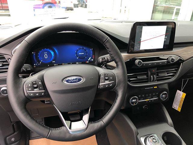 Ford Escape 2020 nhận đặt cọc từ hôm nay
